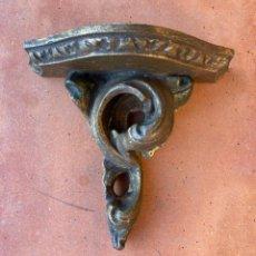 Antiquités: ANTIGUA MÉNSULA MADERA TALLADA Y SOBREDORADA. 19X 21 X10 CM. Lote 260787540