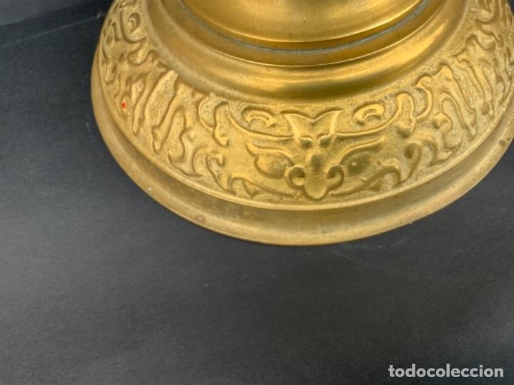 Antigüedades: Éxotico candelero Coreano de bronce . 48 cm. - Foto 12 - 260562705