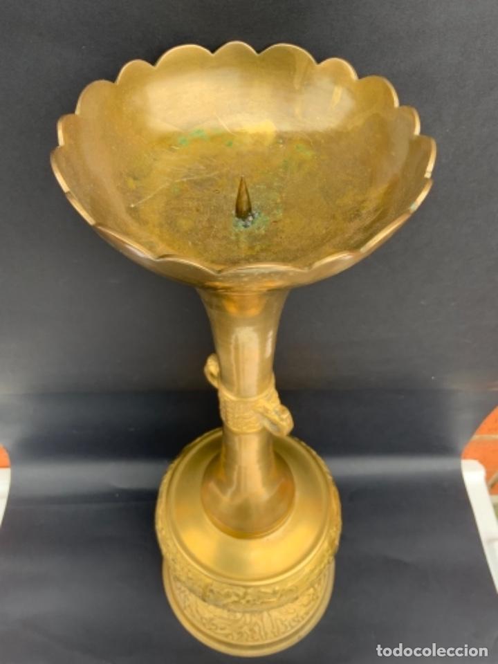 Antigüedades: Éxotico candelero Coreano de bronce . 48 cm. - Foto 15 - 260562705