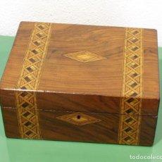 Antigüedades: CAJA COSTURERO ANTIGUA INGLESA CON MARQUETERÍA.. Lote 261108065