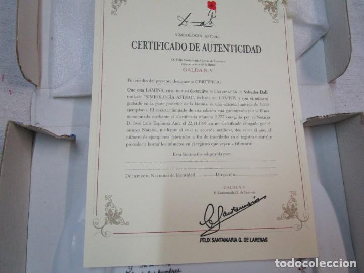 Antigüedades: PLATO ZODIACO DALINIANO LEO - Nº 0059/5000, CERTIFICADO 2002 - DALI + INFO - Foto 4 - 261110360