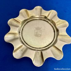 Antigüedades: CENICERO BAÑADO EN PLATA , CON EL ESCUDO DE BILBAO YBAÑADO PLATA, DIÁMETRO 13 CM , PESO 65 GRAMOS,. Lote 261144960