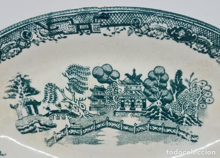 Antigüedades: MAGNIFICA BANDEJA EN VERDE DE SAN JUAN DE AZNALFARACHE,(SEVILLA),S. XIX - Foto 4 - 261152080