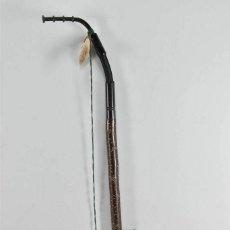Antigüedades: ANTIGUA PIPA DE PORCELANA PINTADA A MANO 64 CM LONG.FUNCIONAL O VITRINA. Lote 261214900
