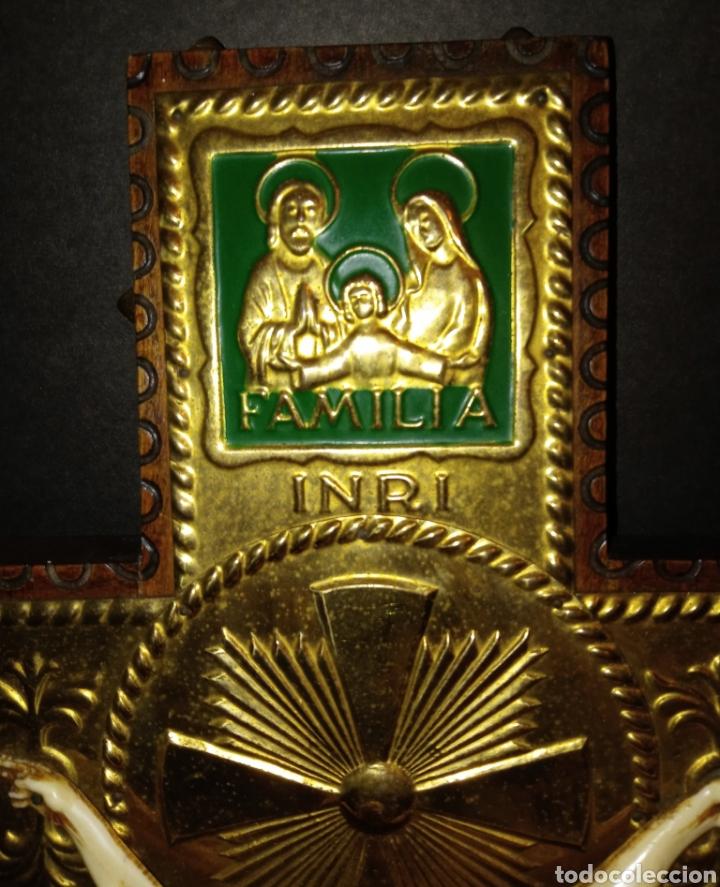 Antigüedades: ORIGINAL CRUCIFIJO - MADERA TALLADA Y METAL DORADO CON LEYENDA - HOGAR - AMOR - HIJOS - PAZ VINTAGE - Foto 9 - 261282015