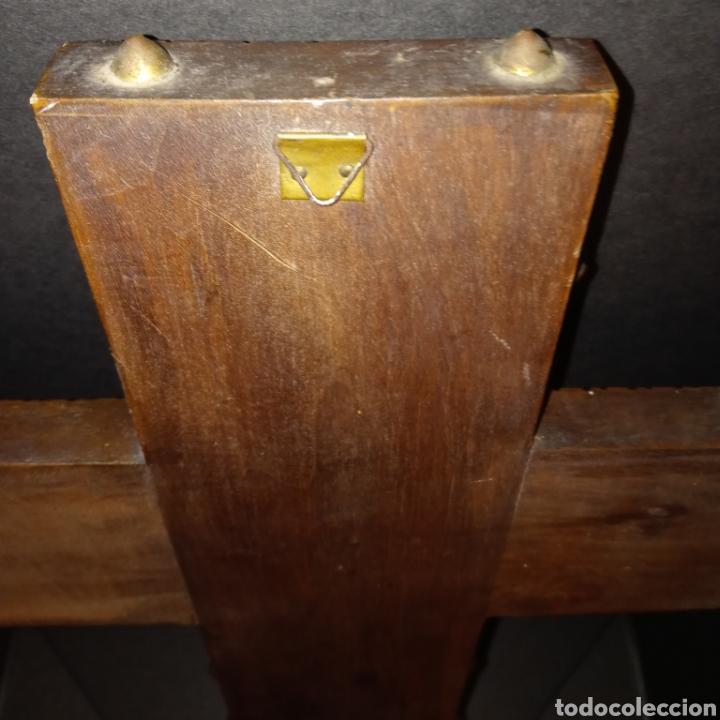 Antigüedades: ORIGINAL CRUCIFIJO - MADERA TALLADA Y METAL DORADO CON LEYENDA - HOGAR - AMOR - HIJOS - PAZ VINTAGE - Foto 10 - 261282015