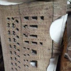 Antigüedades: ANTIGUO YUGO VASCO TALLADO DE MADERA DE CASTAÑO.. Lote 261308375