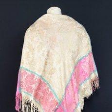 Antigüedades: BELLO PAÑUELO DE SEDA BROCADA - S. XIX - XX. Lote 261328065