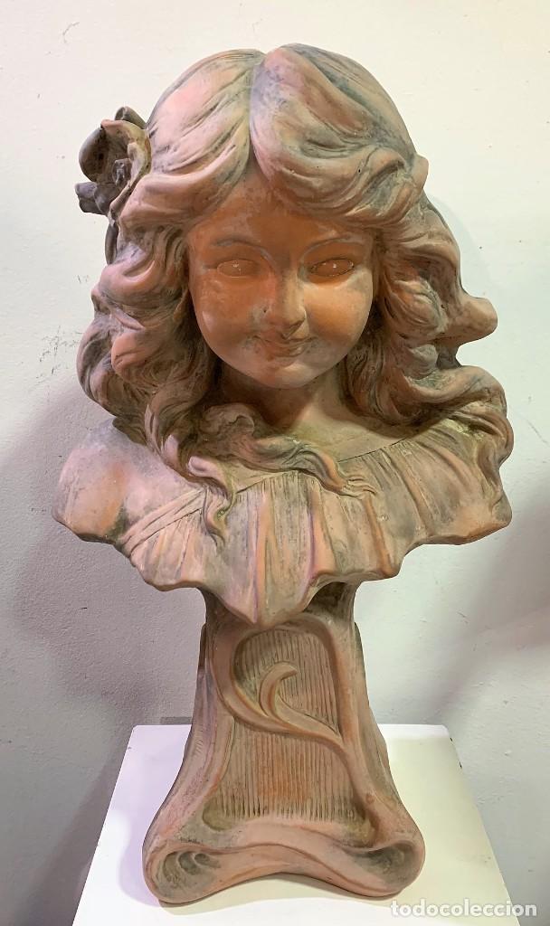 TERRACOTA DE NIÑA (Antigüedades - Hogar y Decoración - Figuras Antiguas)