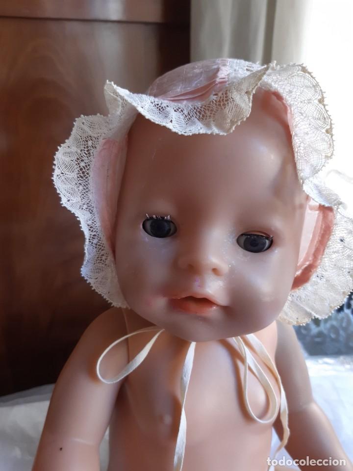 MUY ANTIGUO GORRITO DE SEDA ROSA CON ENCAJE VALENCIÉ. (Antigüedades - Moda y Complementos - Infantil)