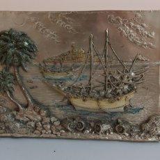Antigüedades: ANTIGUO CUADRO-ESPEJO CON RELIEVE EN PLATA ARG 925. Lote 261601410
