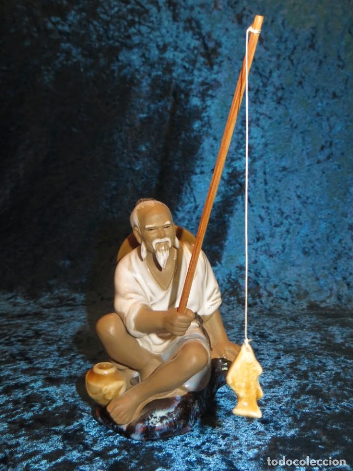 FIGURA PESCADOR CERÁMICA VINTAGE SHIWAN CHINA CIRCA 1960-1970 (Antigüedades - Hogar y Decoración - Figuras Antiguas)