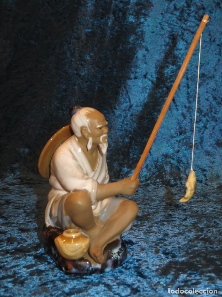 Antigüedades: Figura pescador cerámica vintage Shiwan China circa 1960-1970 - Foto 16 - 261774705