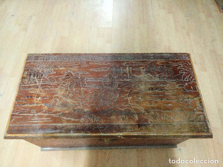 Antigüedades: Baúl madera tallada dibujos árabes para restaurar - Foto 2 - 261801375