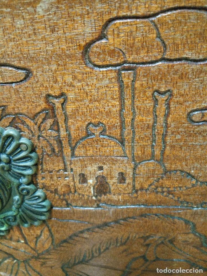 Antigüedades: Baúl madera tallada dibujos árabes para restaurar - Foto 6 - 261801375