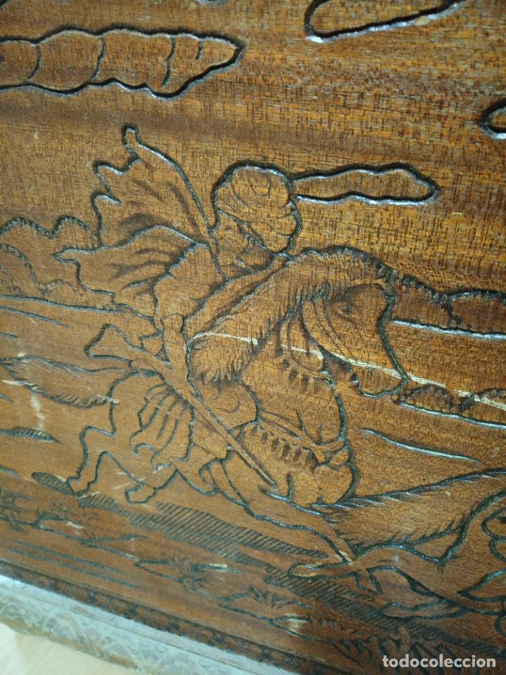 Antigüedades: Baúl madera tallada dibujos árabes para restaurar - Foto 9 - 261801375
