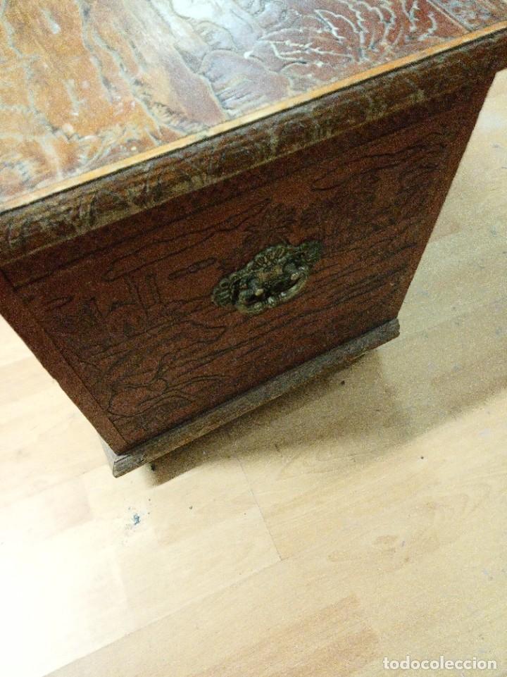Antigüedades: Baúl madera tallada dibujos árabes para restaurar - Foto 21 - 261801375