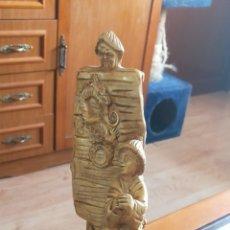 Antigüedades: ANTIGUA FIGURA CHINA DE BARCA CON CHINO. Lote 261913310