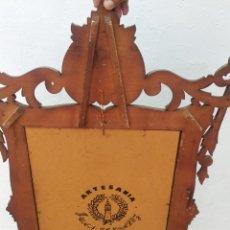 Antigüedades: ANTIGUO ESPEJO GRANDE DE MADERA SEVILLANO SELLADO. Lote 261919200