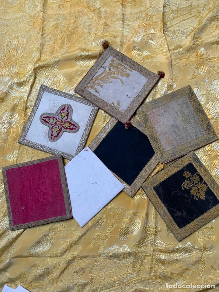CUBRE CÁLICES O PALIAS (Antigüedades - Religiosas - Ornamentos Antiguos)