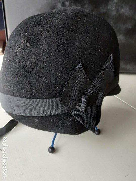 Antigüedades: Antiguo sombrero gorro cloché de fieltro negro. Germaine Ortiz, modes. Años 20. Descosido - Foto 4 - 261938900