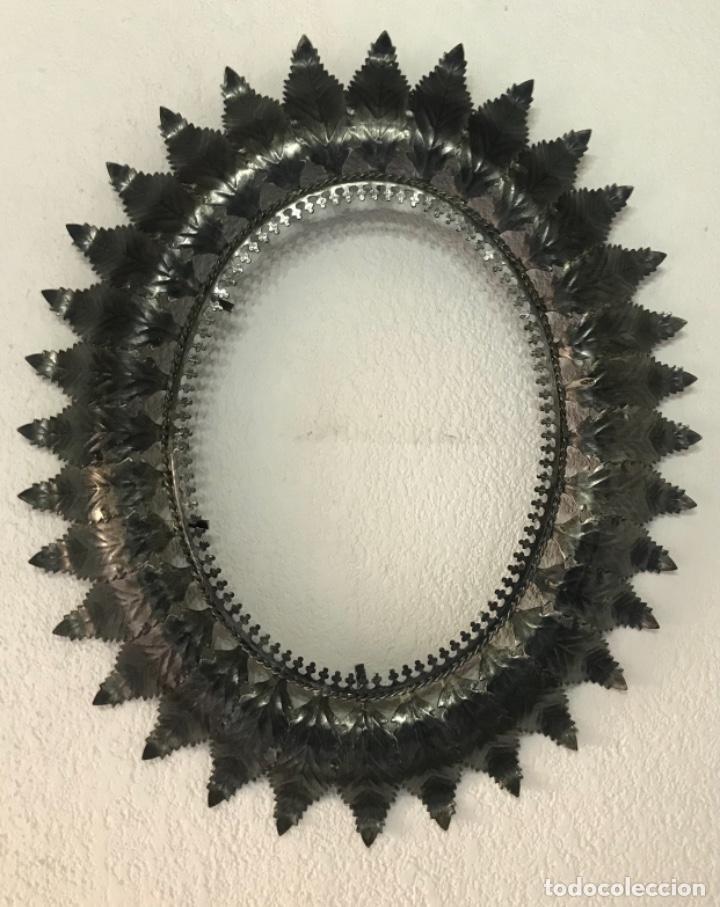 Antigüedades: Precioso Antiguo Marco para espejo sol metal , conserva su patina y satinado buen estado - Foto 2 - 261948595