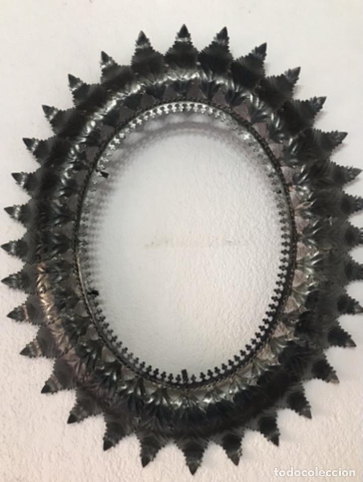 Antigüedades: Precioso Antiguo Marco para espejo sol metal , conserva su patina y satinado buen estado - Foto 3 - 261948595