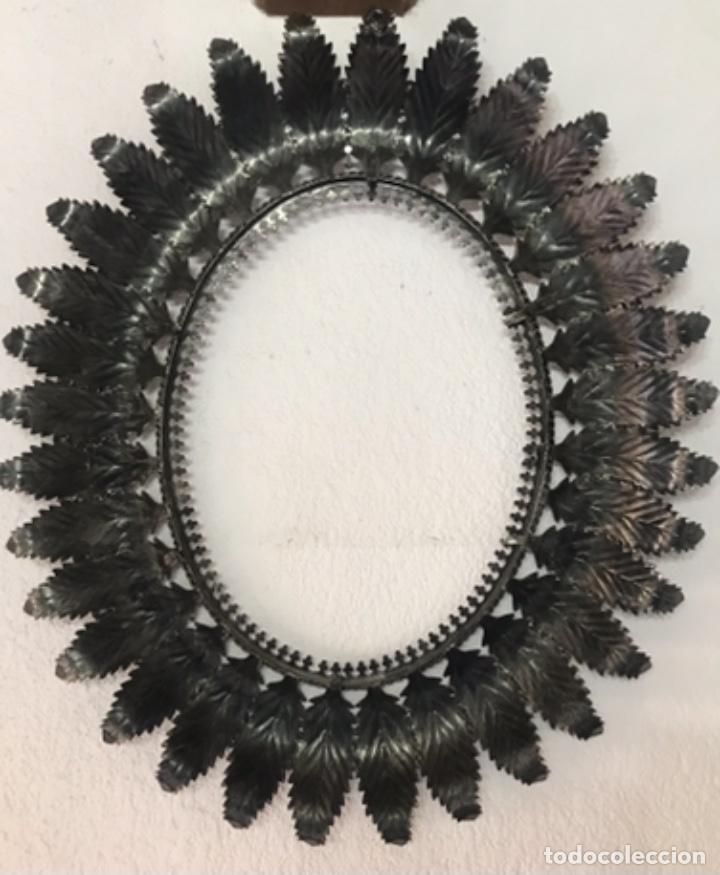 Antigüedades: Precioso Antiguo Marco para espejo sol metal , conserva su patina y satinado buen estado - Foto 9 - 261948595