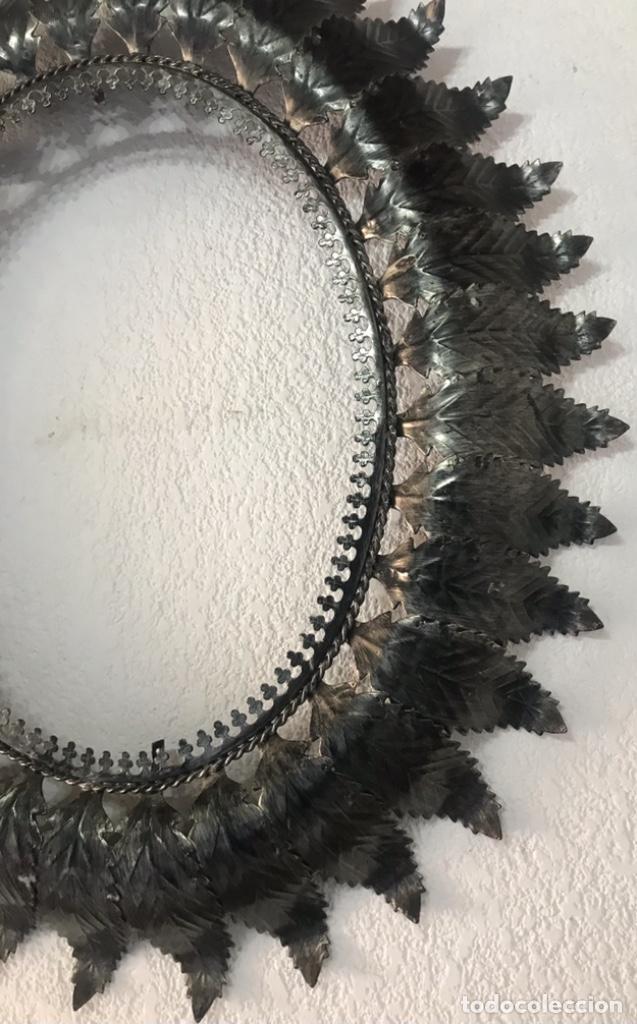 Antigüedades: Precioso Antiguo Marco para espejo sol metal , conserva su patina y satinado buen estado - Foto 14 - 261948595