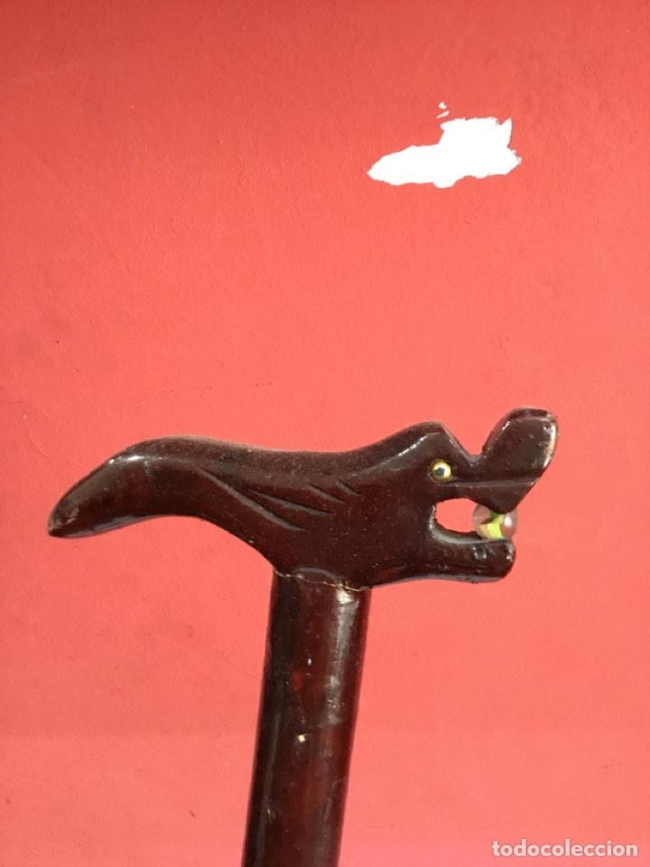 Antigüedades: Bastón madera Manita tallada .decorado 80 cm. Ver fotos - Foto 3 - 261952500