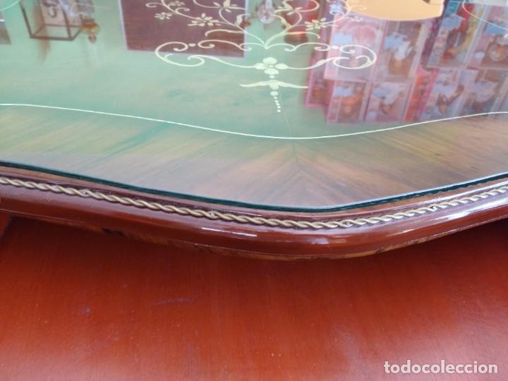 Antigüedades: Exquisita mesa de despacho Luis xv con marquetería, bronce base de cristal y pintada a mano. - Foto 30 - 261960205