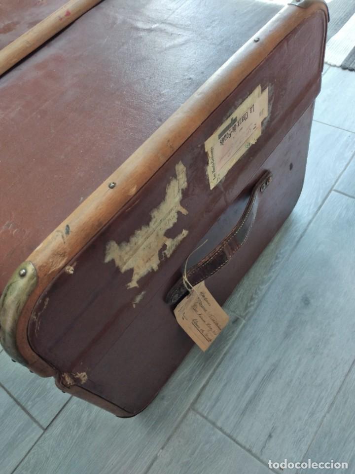 Antigüedades: Antiguo baúl de viaje. madera forrado. - Foto 4 - 261960410