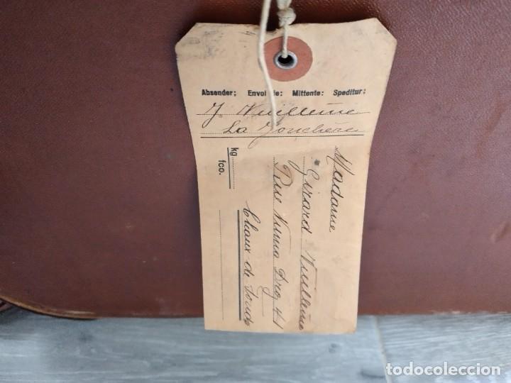 Antigüedades: Antiguo baúl de viaje. madera forrado. - Foto 6 - 261960410