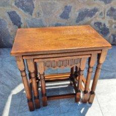 Antigüedades: JUEGO DE MESAS NIDO MADERA DE ROBLE.. Lote 261960810