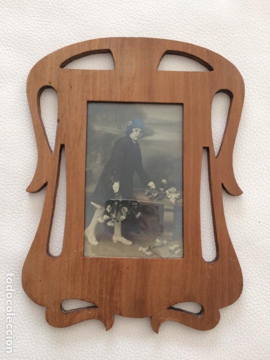 PORTA FOTO MODERNISTA ANTIGUO (Antigüedades - Hogar y Decoración - Portafotos Antiguos)