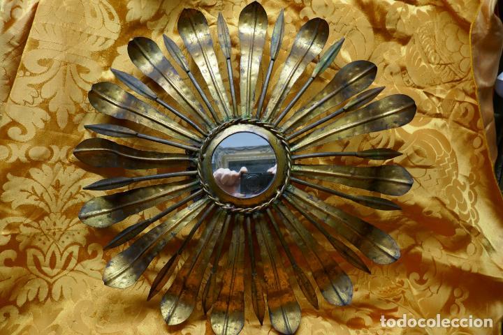 Antigüedades: PRECIOSO ESPEJO SOL DE BRONCE, TOTAL 50 CM - Foto 2 - 262070195