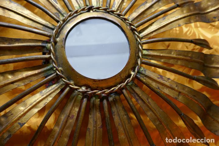 Antigüedades: PRECIOSO ESPEJO SOL DE BRONCE, TOTAL 50 CM - Foto 5 - 262070195