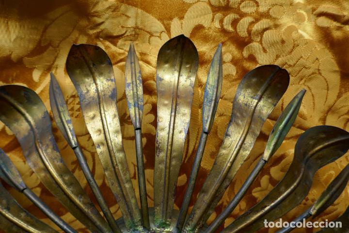Antigüedades: PRECIOSO ESPEJO SOL DE BRONCE, TOTAL 50 CM - Foto 9 - 262070195