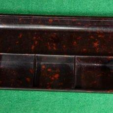 Antigüedades: ANTIGUA BANDEJA DE ESCRITORIO ART DÉCO HELIT DE BAQUELITA DISEÑO DE LA BAUHAUS. R340221. Lote 262070855