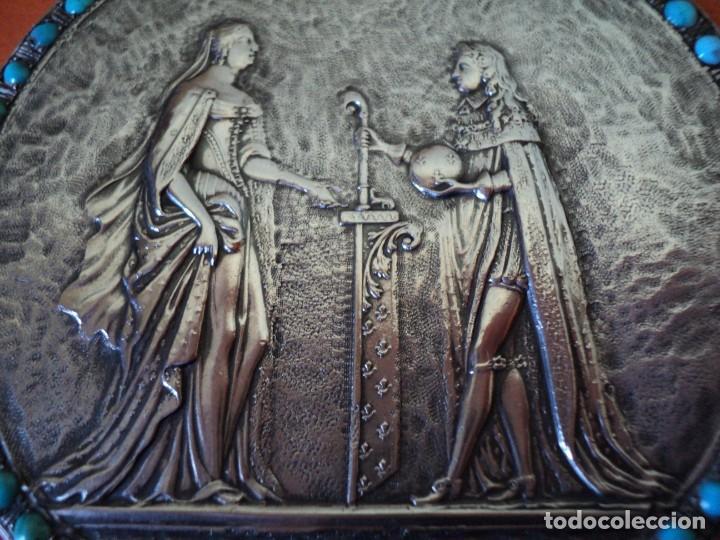 Antigüedades: muy antiguo medallón o placa plata 900 turquesas Felipe V y Isabel de Farnesio siglo XVIII - Foto 2 - 262150450