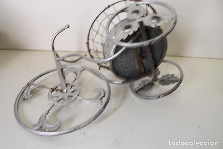 Antigüedades: Macetero triciclo de metal - Foto 3 - 262166025