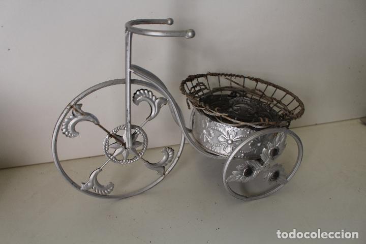 Antigüedades: Macetero triciclo de metal - Foto 6 - 262166025