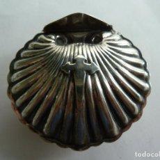 Antigüedades: CONCHA DE ALPACA. CATEDRAL Y CRUZ DE SANTIAGO. Lote 262389585