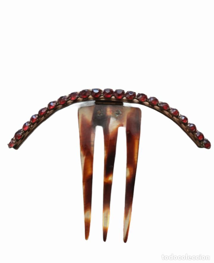 Antigüedades: Peineta horquilla de bisagra. Celuloide y pedrería. ca 1890 12.5x9.5cm - Foto 2 - 262431310