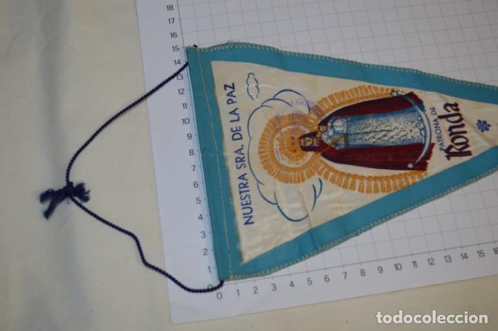 Antigüedades: Vintage / Banderín - Nuestra Señora del la Paz, Patrona de RONDA - Con sello Hermandad ¡Mira fotos! - Foto 3 - 262434625