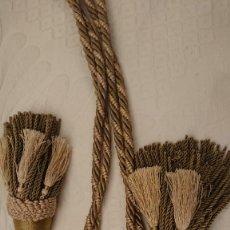 Antigüedades: ALZAPAÑOS RECOGE CORTINAS CON DOBLE BORLON. Lote 262470270
