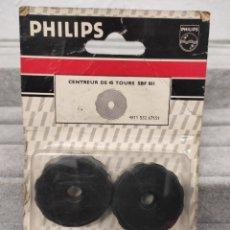 Antigüedades: ADAPTADOR CENTRADOR DE DISCO VINILO 45 RPM BISTER 2 UNIDADES. Lote 262475845