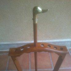 Antigüedades: BASTON DE MADERA Y BRONCE DESMONTABLE CON DEPOSITO DE CRISTAL. Lote 262480025