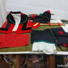 Antigüedades: ANTIGUO TRAJE REGIONAL GALLEGO PARA NIÑO GAITEIRO FOLKLORE CHALECO PANTALON POLAINAS FAJA GORRO.... Lote 262509840