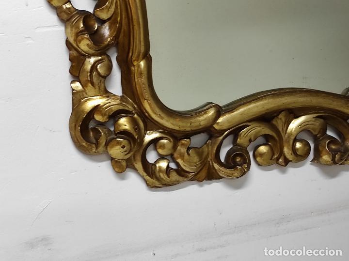Antigüedades: Bonito Espejo Antiguo - Cornucopia en Madera Tallada y Dorada en Pan de Oro - Foto 4 - 262525340